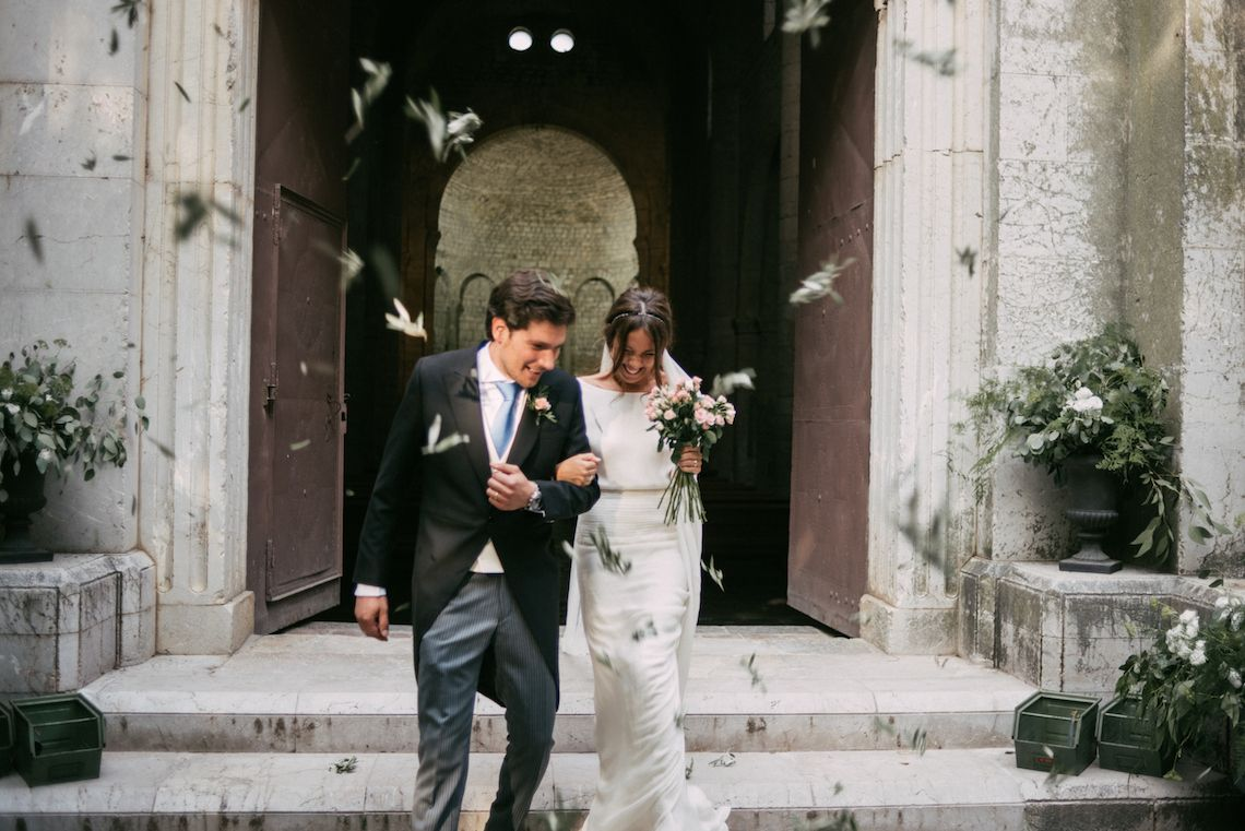 Cool spanish wedding with lots of greenery