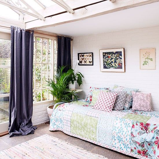 Conservatory daybed