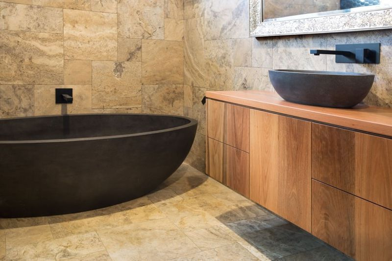 Modern bath tub inspiration by COCOON | check out our freestanding ...