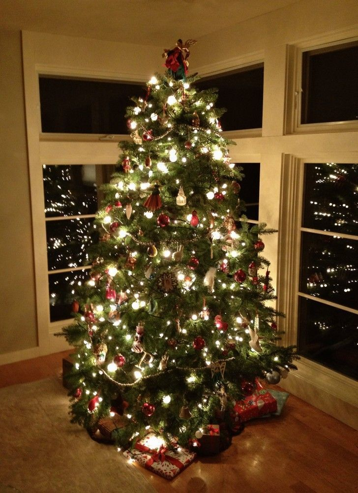 how to decorate your christmas tree with lights