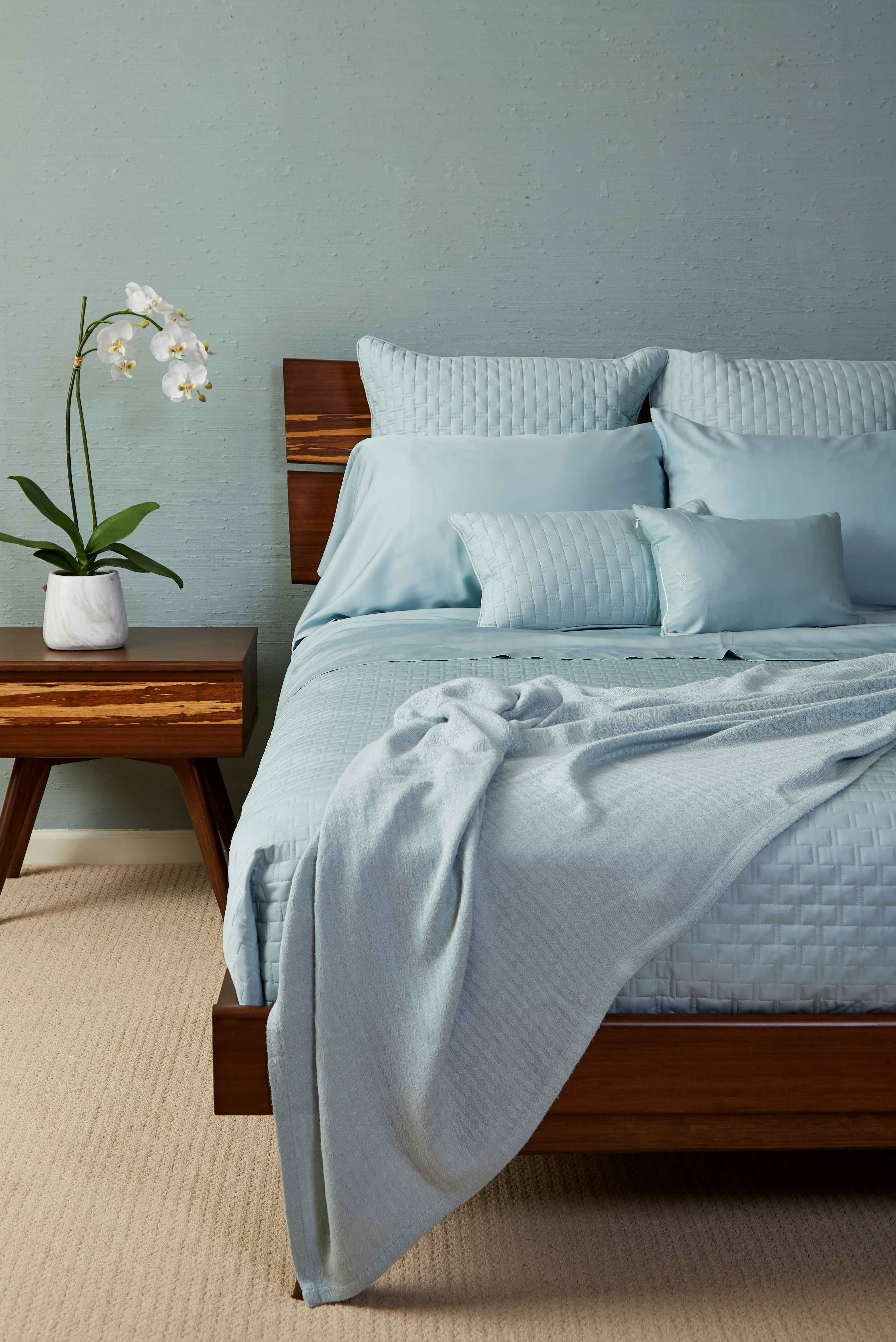 Bedroom Idea In Sky Blue Bamboo Eco Friendly Living And Cozy