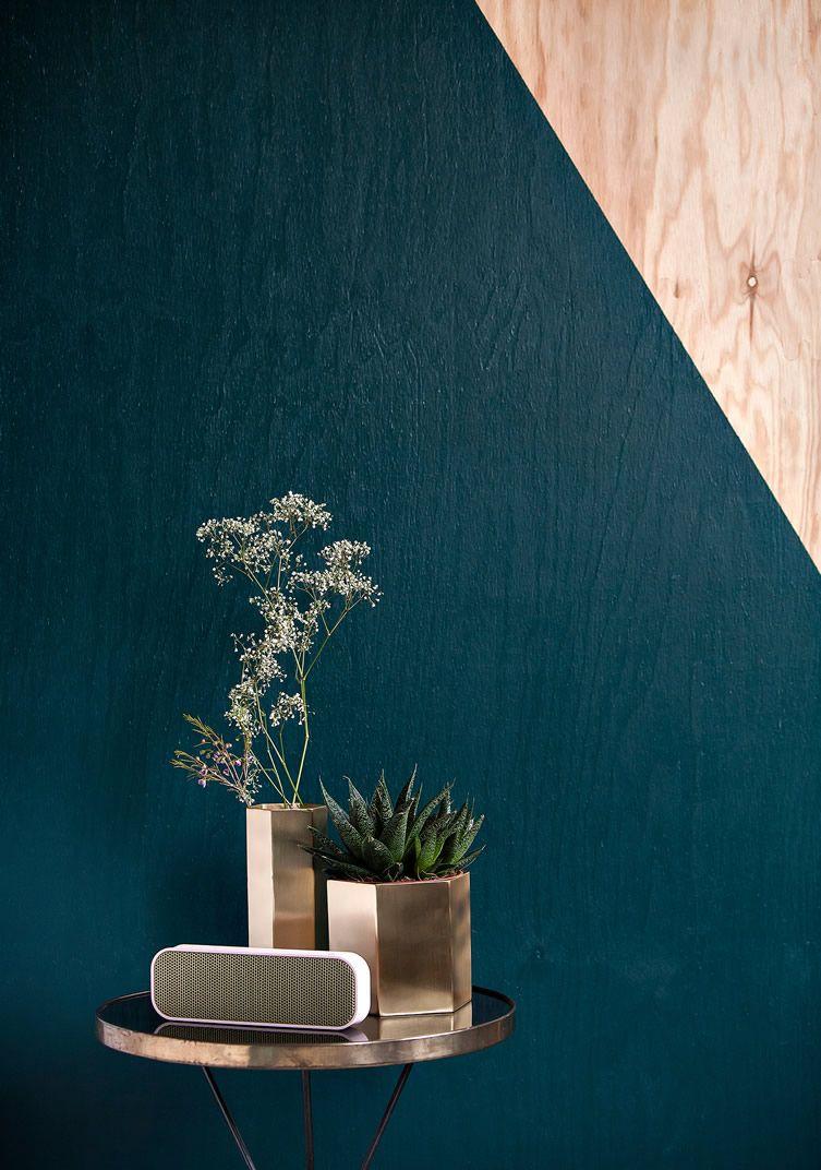 Wil jij graag een elegante look in je interieur? Kies dan voor een basis van petrol met metallic accessoires. Laat je inspireren door dit moodboard.