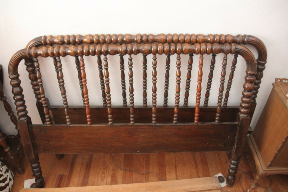 Antique Jenny Lind Style Full Size Spindle Bed Shipped With Usps Priority Mail Excellent Condition Metal Rails Spool Bed Spindle Bed Walnut Wood Furniture