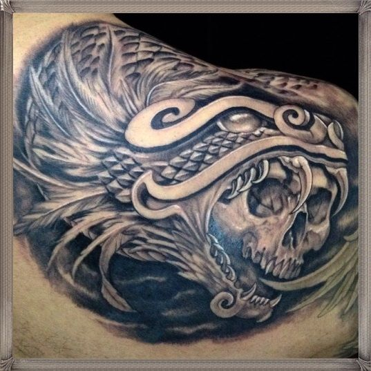 Tatuajes De Quetzalcoatl Y Su Historia La Serpiente Emplumada
