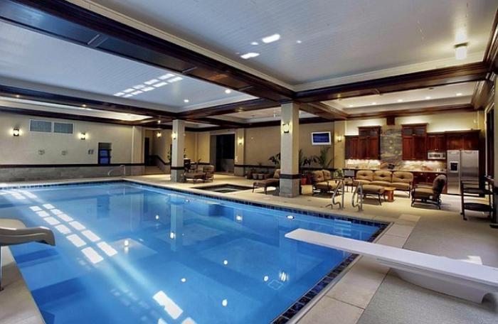 La piscine intérieure un luxe un rêve une installation de sport archzine fr