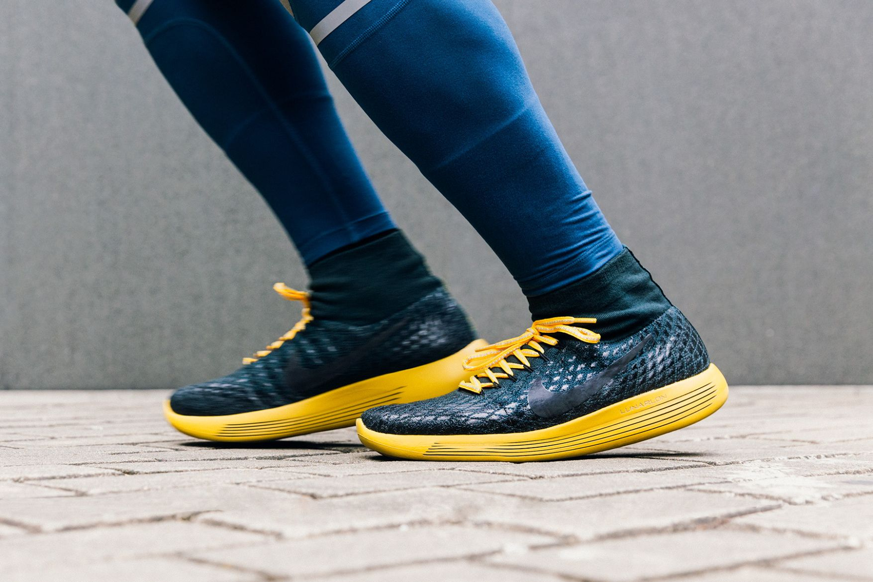 LunarEpic Flyknit Shield 鞋款
