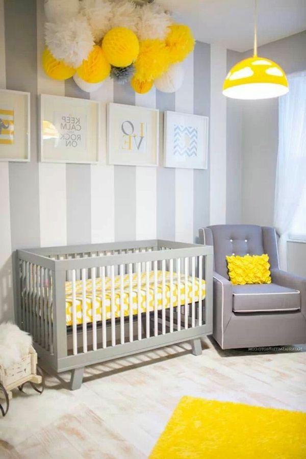 weiße hauptfarbe, gelber kronleucher und gemälde im babyzimmer ... | {Babyzimmer gestalten wände 26}