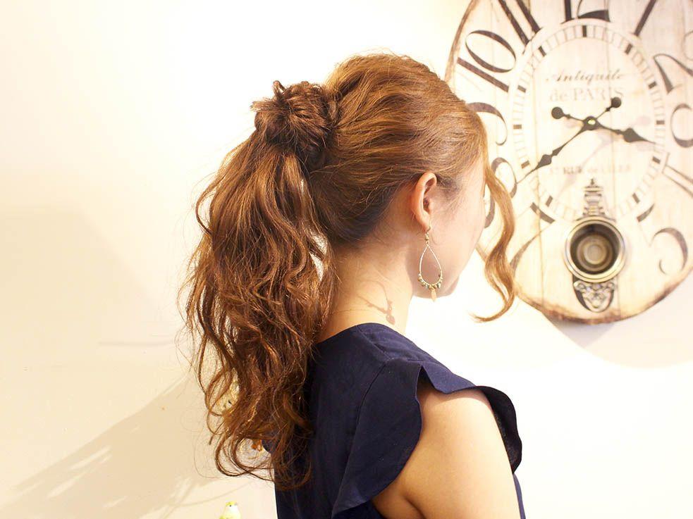 毛量が多い人はヘアアレンジしようとしても 思った通りの形にならなく