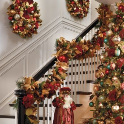 The gorgeouse color combinations of the Williamsburg® Greenery Collection from Frontgate give a feeling of warmth and coziness to your holiday decr.
