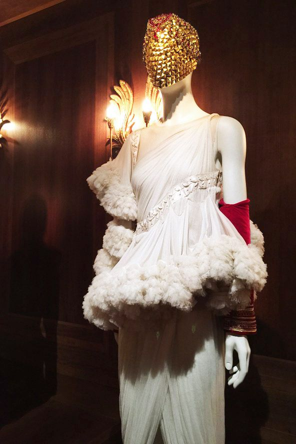 Alexander McQueen Savage Beauty Victoria and Albert Museum Romantic  Nationalism white gauze dress red sleeve 383dcf49b2a