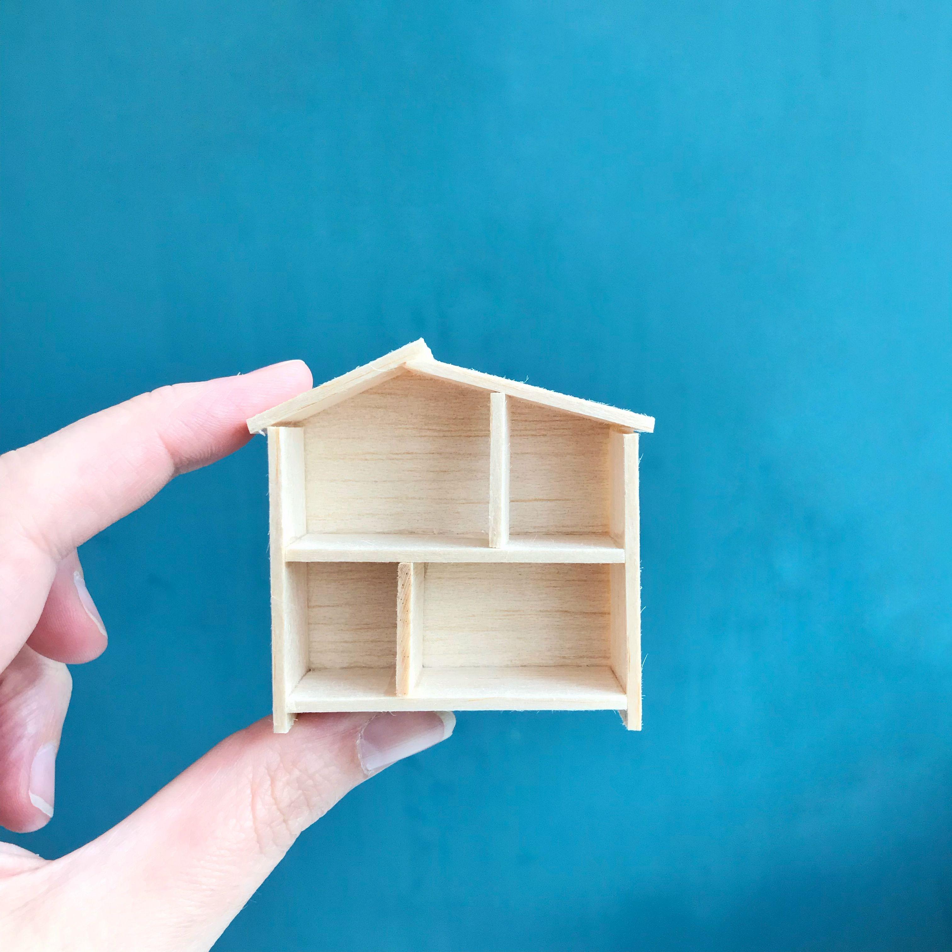 Miniature Ikea dollhouse for your DIY modern dollhouse