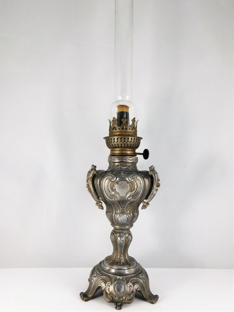 Lampe A Petrole Ancienne En Regule Sculpte Antic Oil Lamp Collection