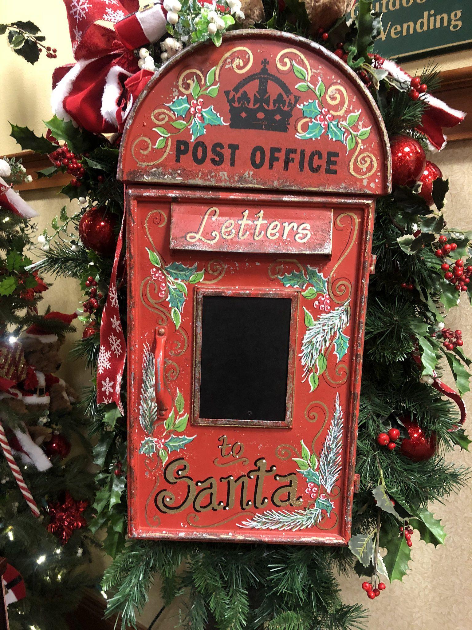 Christmas Decorations at The Inn at Christmas Christmas