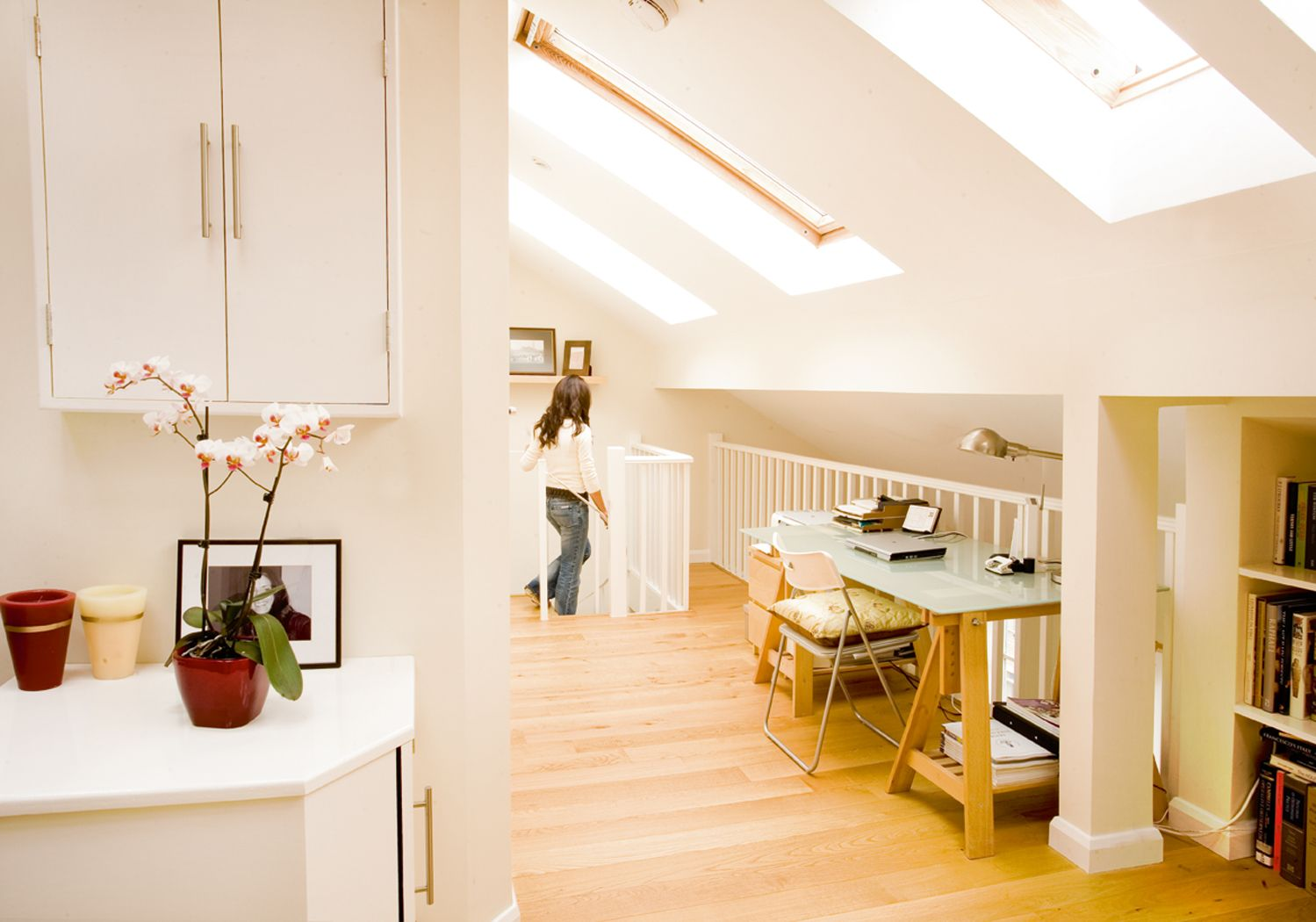 loft ceilings | ABOVE: It\'s a good idea to use the low space under ...