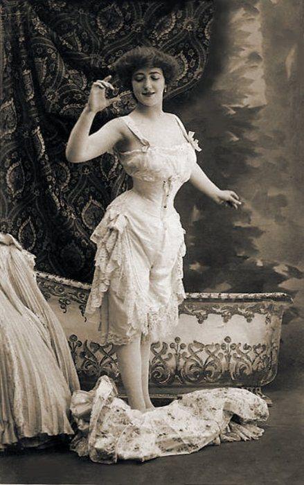 593133be3 1900 s lingerie - pre-victoriasecret. 1900 s lingerie - pre-victoriasecret Edwardian  Era
