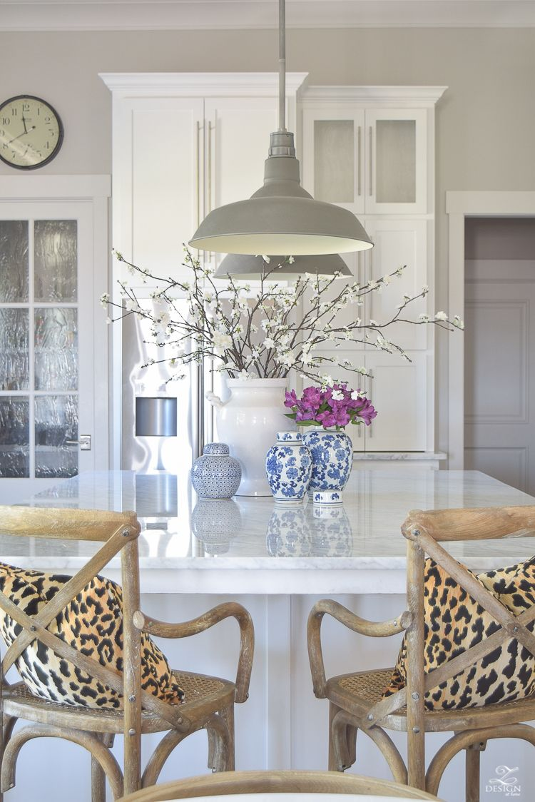 3 Simple Tips for Styling Your Kitchen Island #kitchenislanddecor