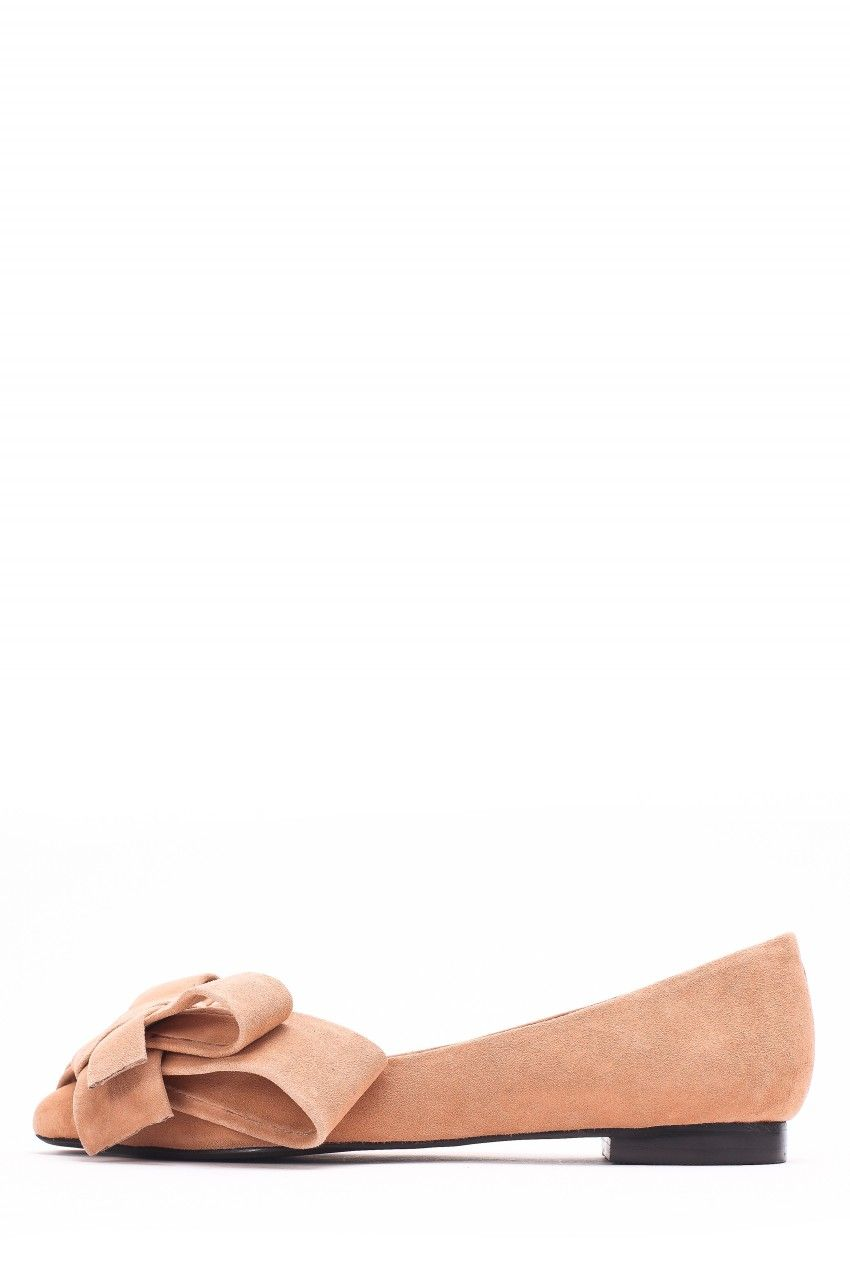 a98208b6877a Jeffrey Campbell Shoes RUSTON-BOW Flats in Camel Suede | clothe ...
