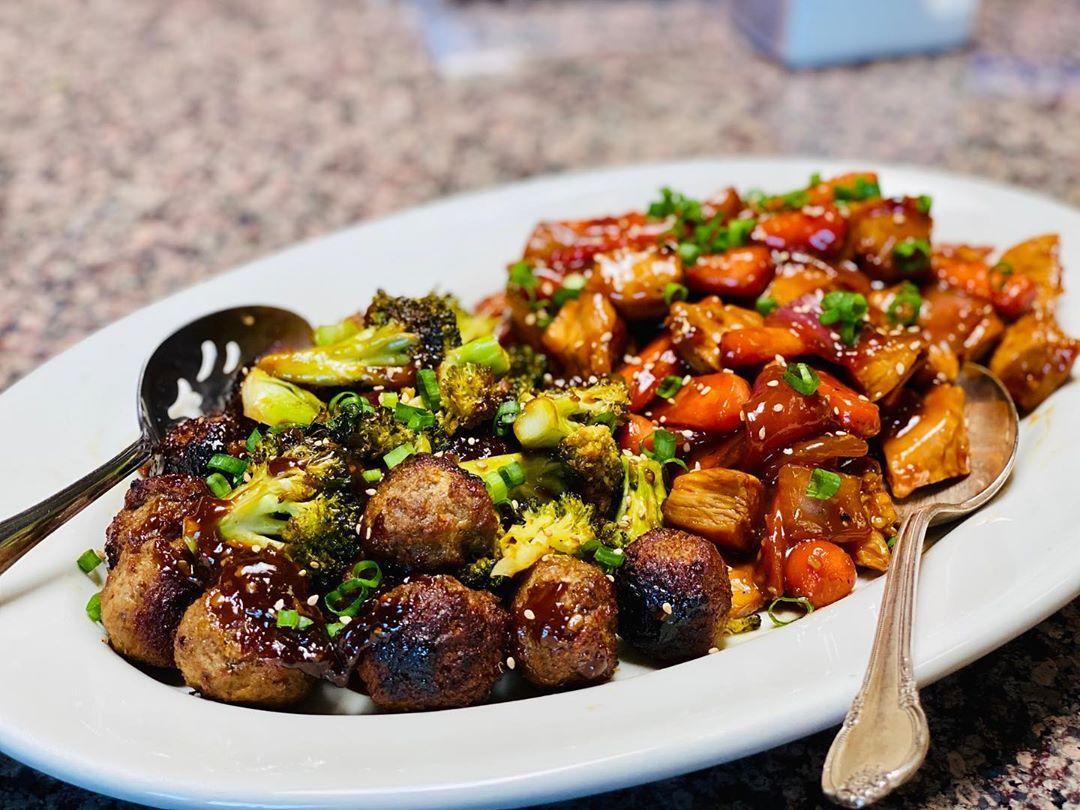 Teriyaki meatballs and teriyaki chicken.  #teriyaki #teriyakichicken #teriyakimeatballs #tuesday #tuesdaymotivation #tuesdayvibes #tuesdaythoughts #tuesdaymood #tuesdaynight #itswhatsfordinner #quarantine #quarantinelife #quarantineandchill #recipes #quarantineandcook #quarantinecooking #inthekitchen #yum #food #cooking #foodie #sd #sandiego #stayhome #stayhealthy #staysafe
