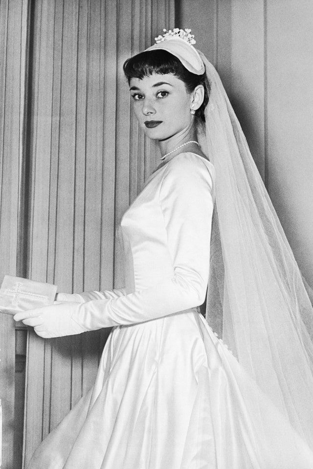 Photo of What Happened To Audrey Hepburn's Canceled Wedding Gown?