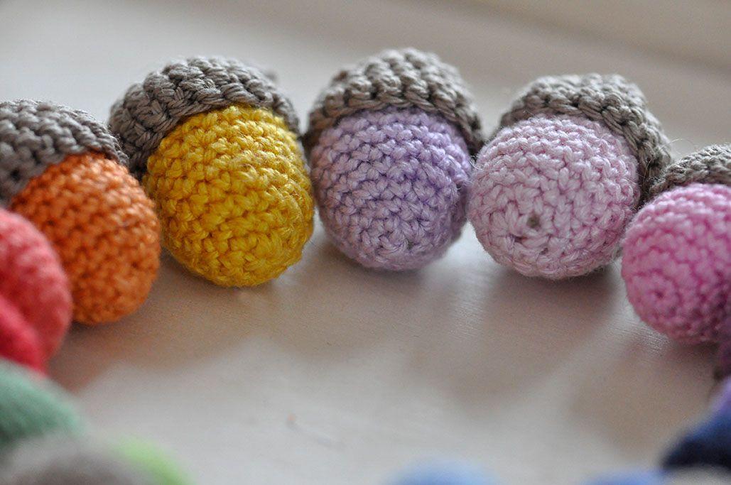 Häkelanleitung Für Kunterbunte Eicheln Knitt And Crochet