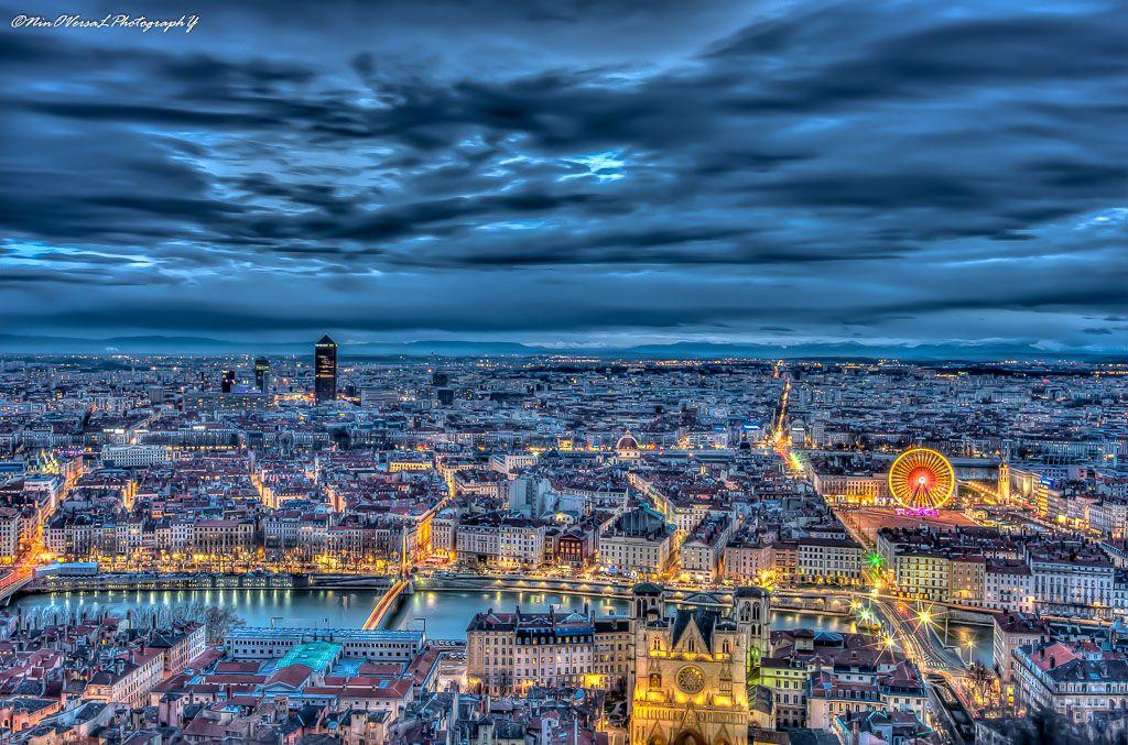 Lyon in blue