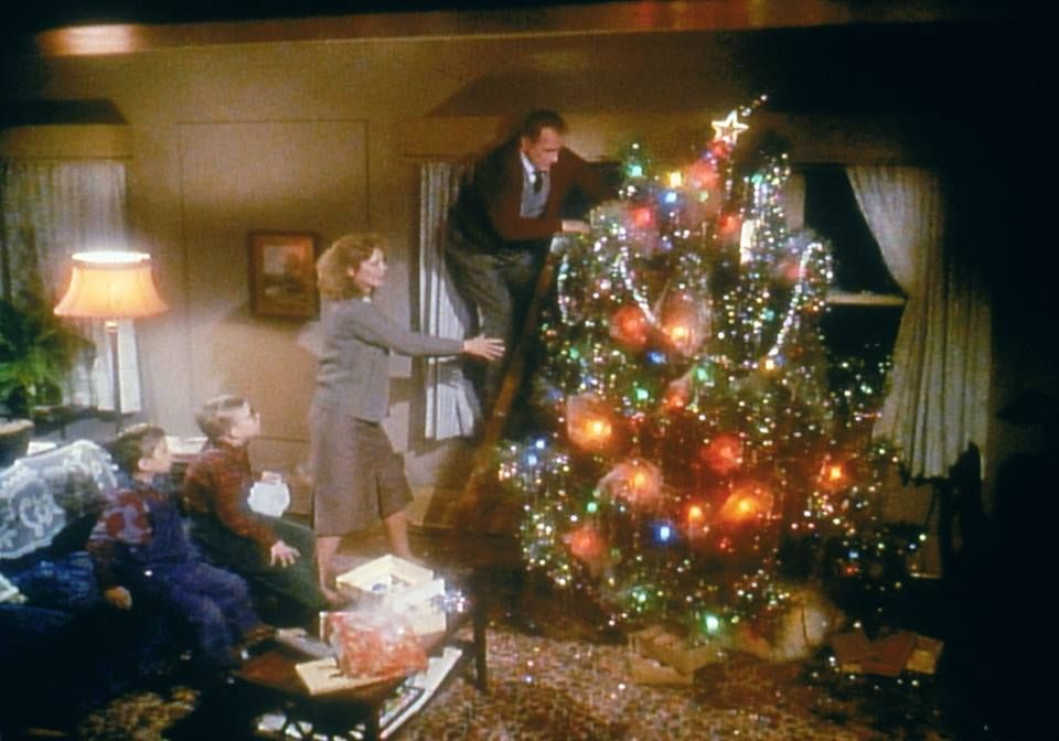 Story Of Christmas.Christmas Tree In A Christmas Story Christmas Of Bygone
