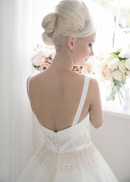 Vintages inspiriertes Hochzeitskleid der niedlichen und Spaßchampagnertee-Länge.