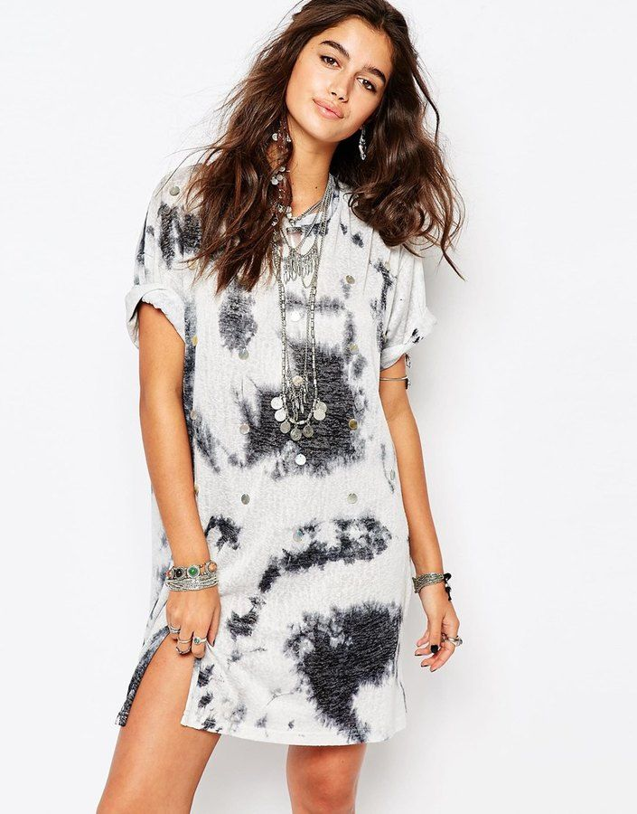 Native Rose Festival T-Shirt Dress With Shells