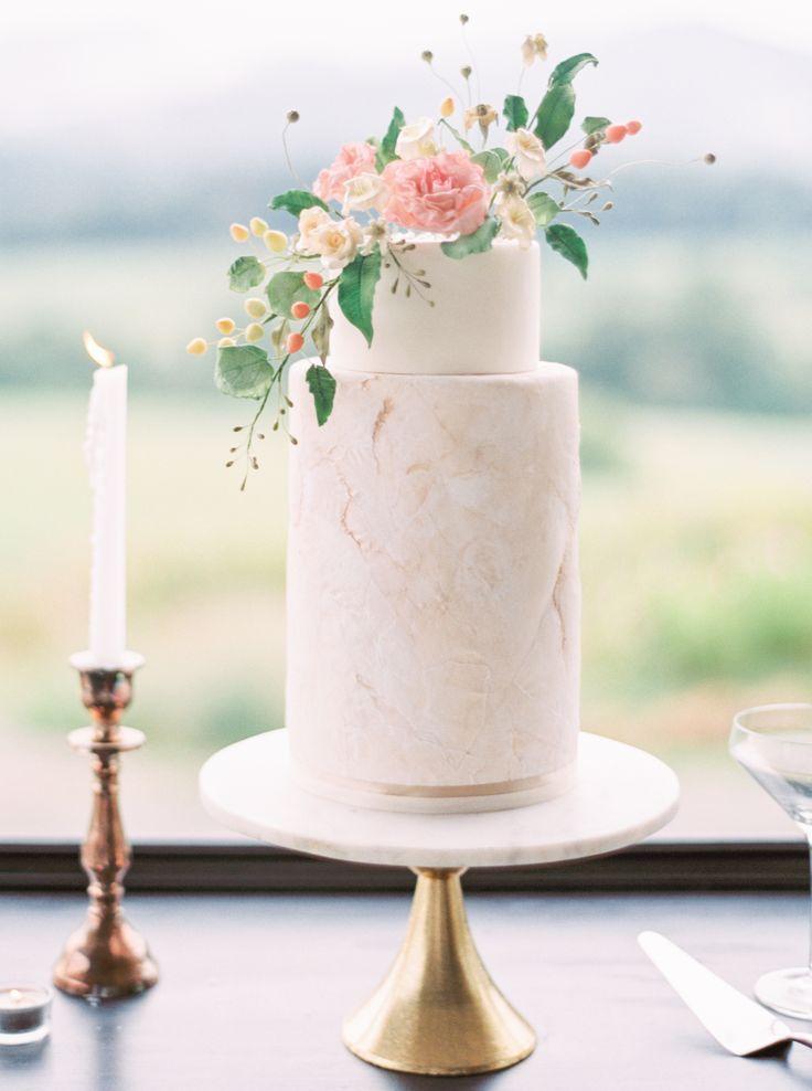 Pippin Hill Wedding Photographer | Romantic Wedding Cake