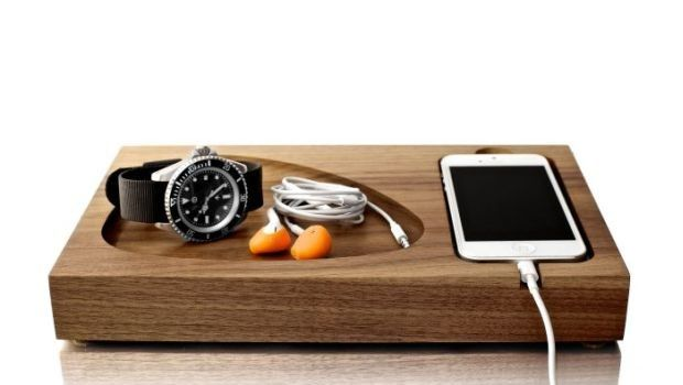 Tinsel-Timber-iPhone-Docking-Station_001