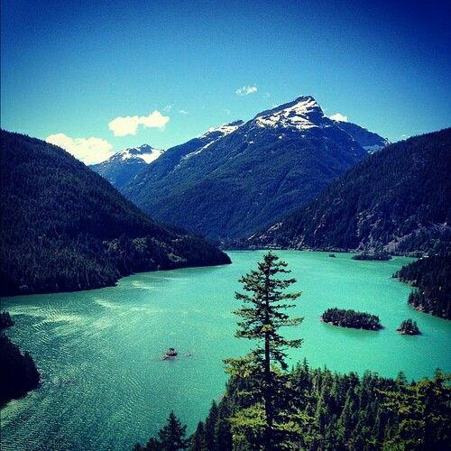 Hiking Tours Usa: Diablo Lake, Washington. A Glacier Fed Lake In The