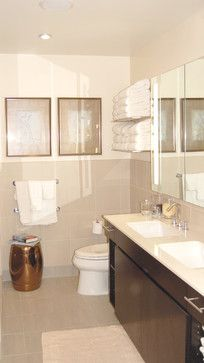 we could even put a towel rack above the toilet like a hotel? but with better colors and our own style...