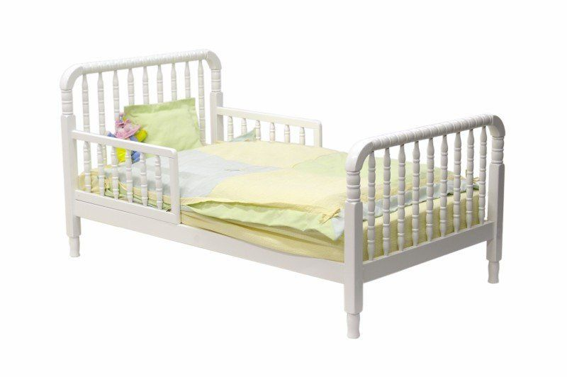 Dream On Me Jenny Lind Toddler Bed