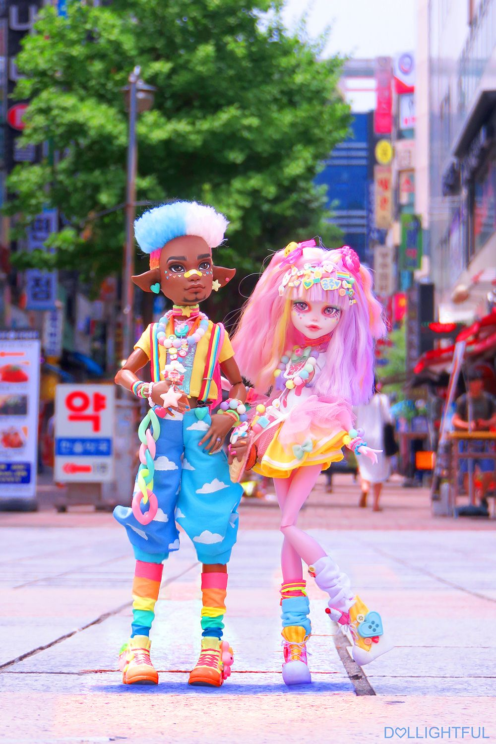 BFFs Juwon and Ayako! Harajuku Decora Kei Street fashion dolls by Dollightful #dolls