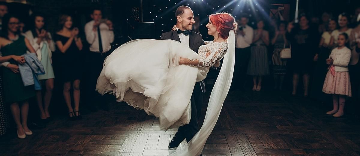 100+ MustHave Wedding Photos (Ideas & Tips) Wedding