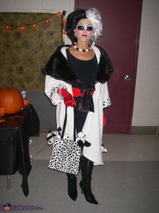 Cruella Deville Costume Cruella deville, Homemade halloween and - cool halloween ideas