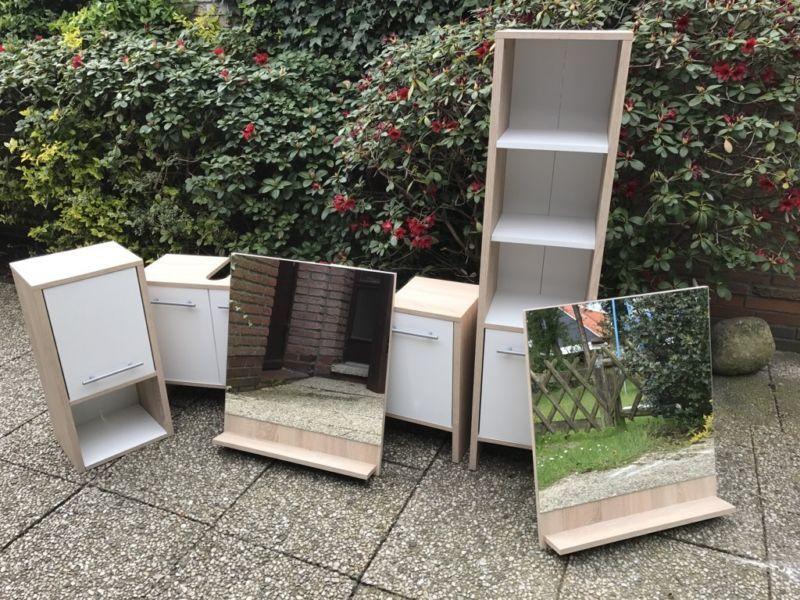 Wir verkaufen ein komplettes Badezimmermöbel Set bestehend aus 2