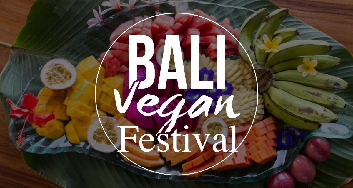 Il Bali Vegan Festival sta per cominciare 🎉 Dal 6 all'8 Ottobre Ubud ospiterà la terza edizione del festival più atteso dagli amanti dell'alimentazione e dello stile di vita vegan. Chef, insegnanti di yoga, terapisti, attori, musicisti e ambientalisti si incontreranno per diffondere un messaggio di amore, rispetto e tutela per gli animali e la terra ❤️ Per saperne di più leggi il nostro post nella sezione EVENTI 😉