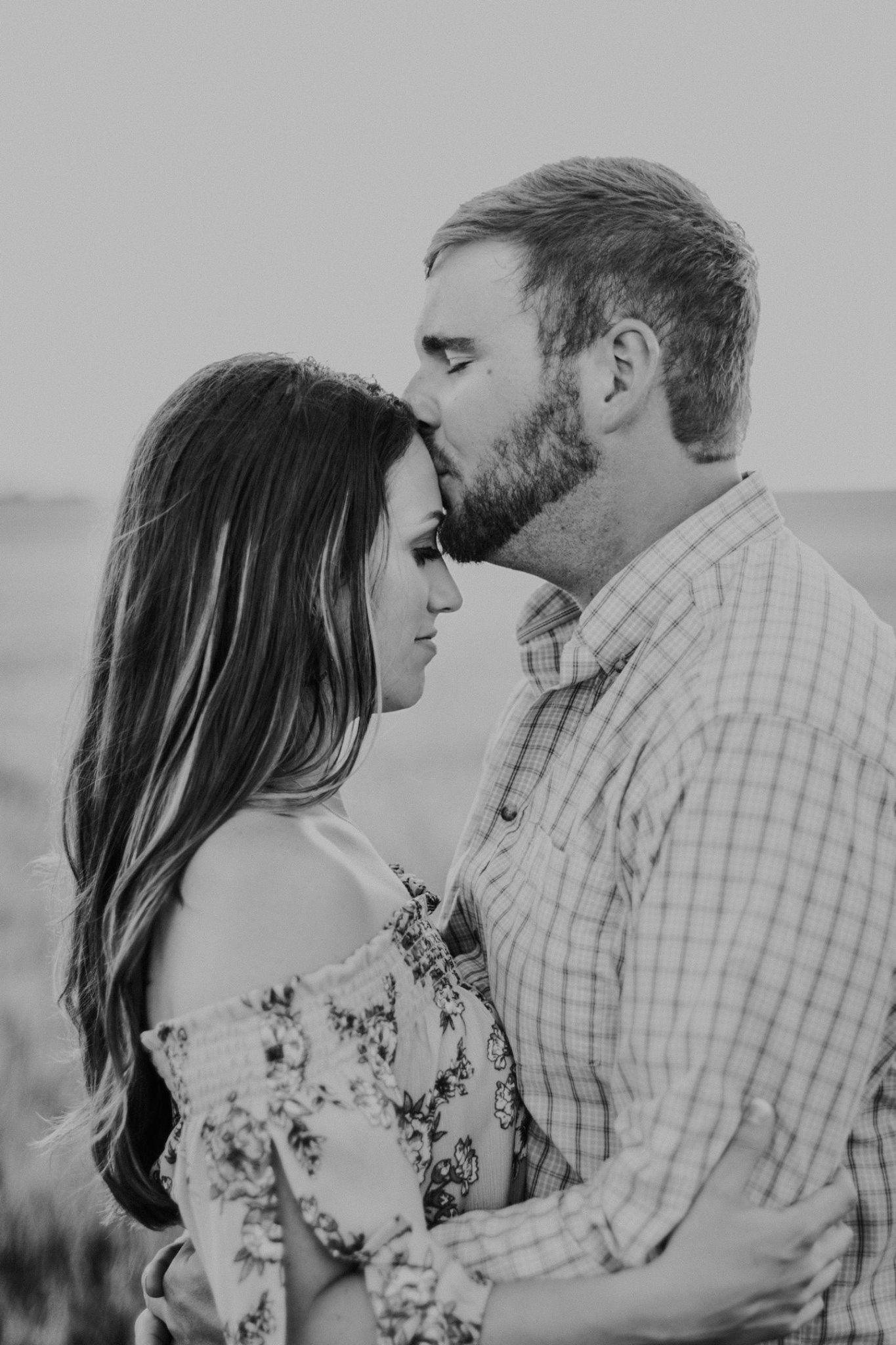 Forehead kiss black and white couples photography darrianmphotography com