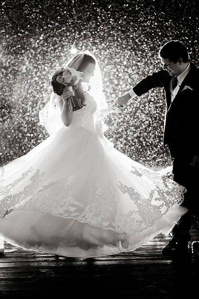 Wedding Ideas Blog Rain On Wedding Day Wedding Photos Rainy Wedding Photos