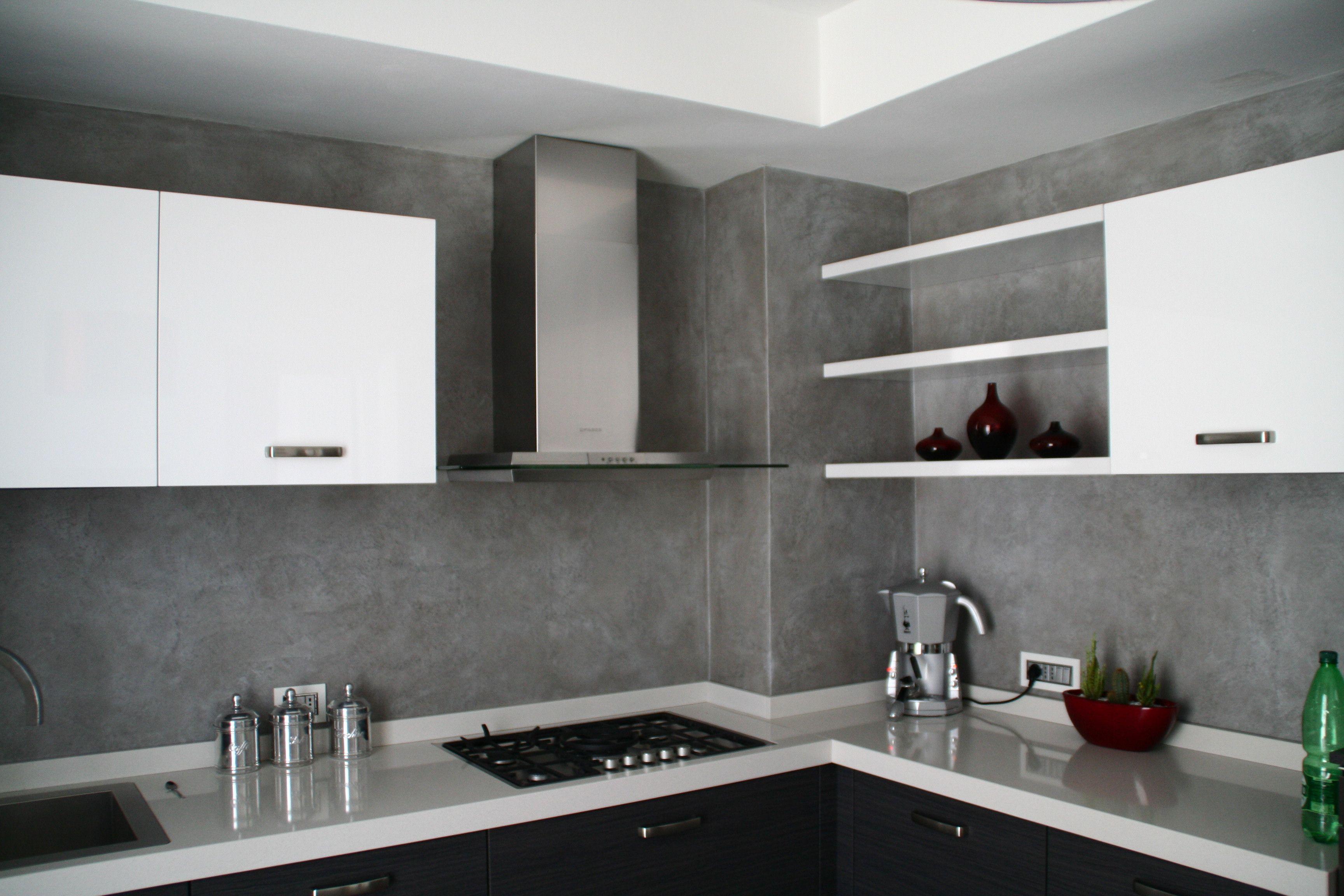 Risultati immagini per rivestimento cucina cemento resina ...
