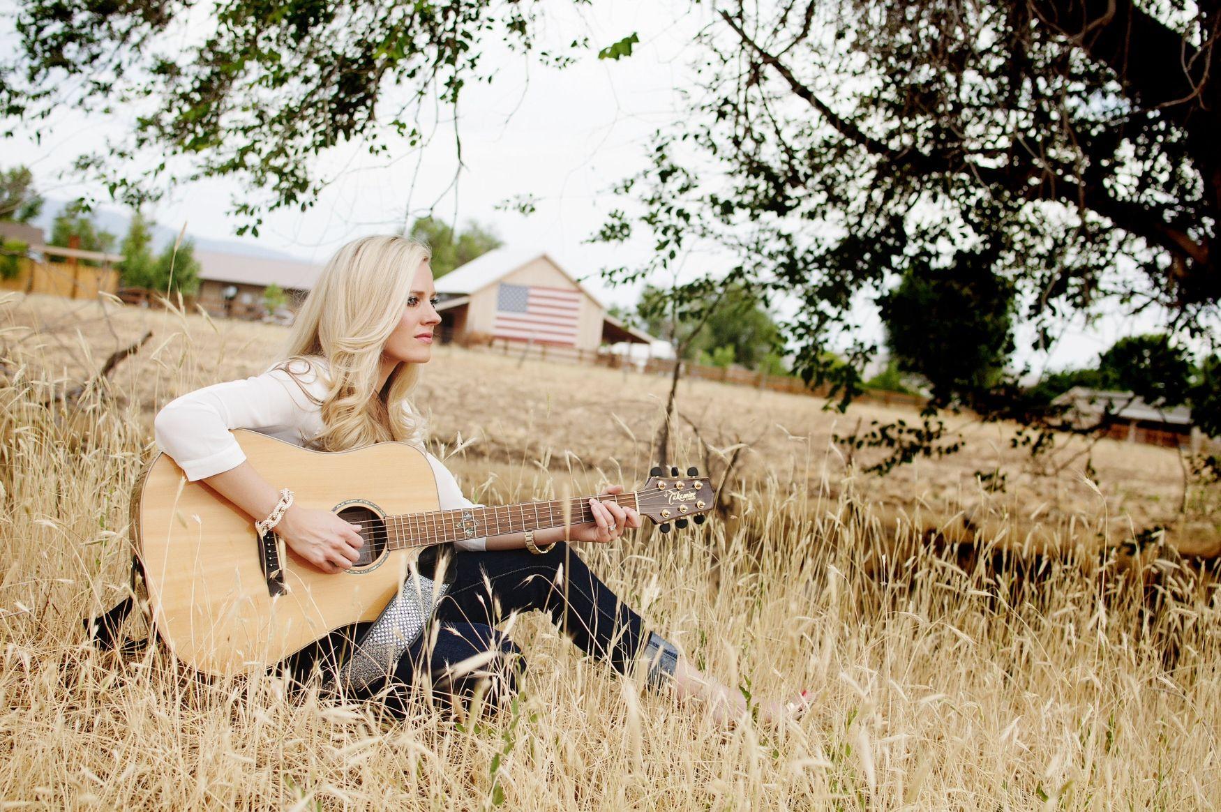 Teen outdoor in string doubt