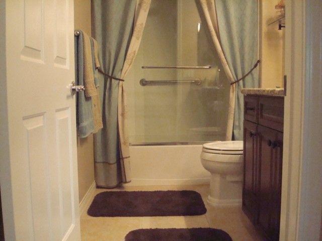 les 25 meilleures id es de la cat gorie hauts rideaux de douche sur pinterest rideau de douche. Black Bedroom Furniture Sets. Home Design Ideas