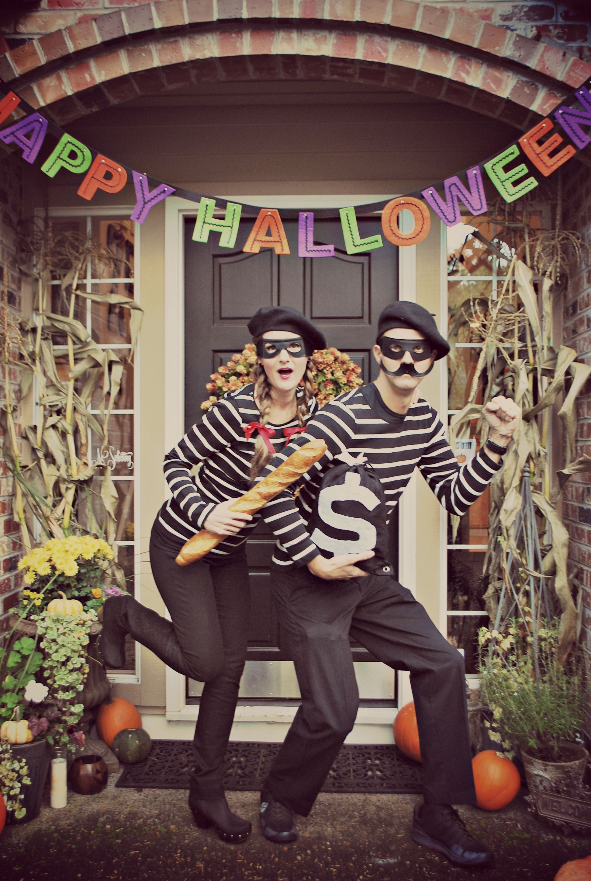 Last Minute Costumes that Look Well Thought Of | Halloween couples
