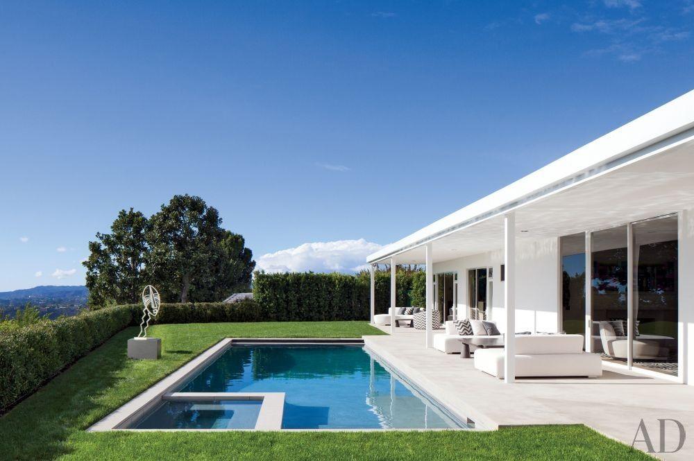 Elton John S Home In Beverly Hills Via Archdigest Designfile Beverly Hills Houses Los Angeles Homes Celebrity Houses