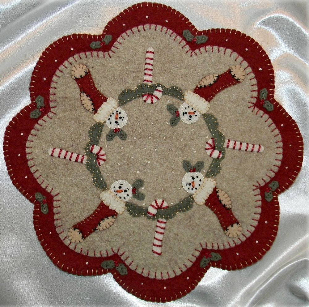 Prim Wool Felt Candle Mat Kit, Penny Rug Kit, CHRISTMAS STOCKINGS Embroidery Kit