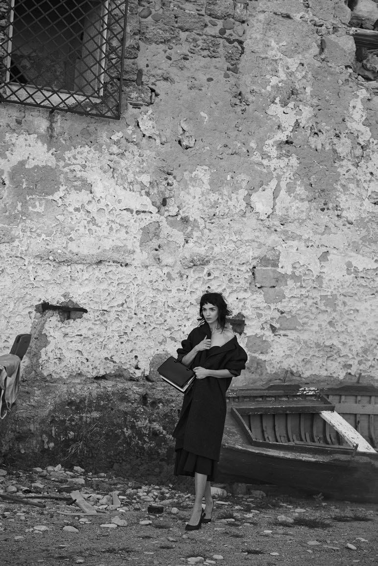 visual optimism; fashion editorials, shows, campaigns & more!: mariacarla boscono by peter lindbergh for vogue italia february 2014