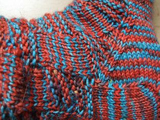 A beautiful pattern, which can be used with colored yarn too.