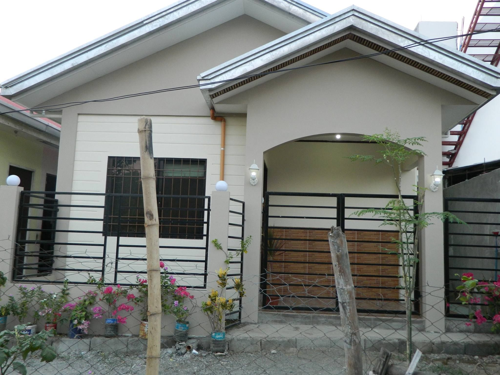 IN PHOTOS: OFW Built His P500K Dream House, A Small and ...