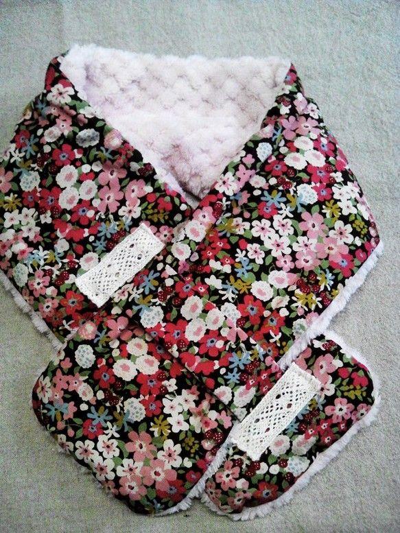 ふわふわのマフラーです外は花がら 中はピンクのファーです|ハンドメイド、手作り、手仕事品の通販・販売・購入ならCreema。